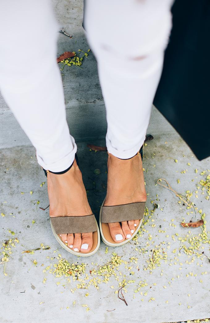 sandals hello fashion
