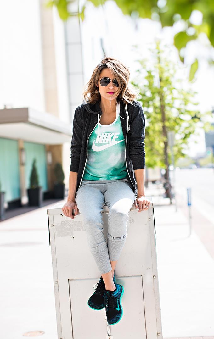 hello fashion blog nike outfit