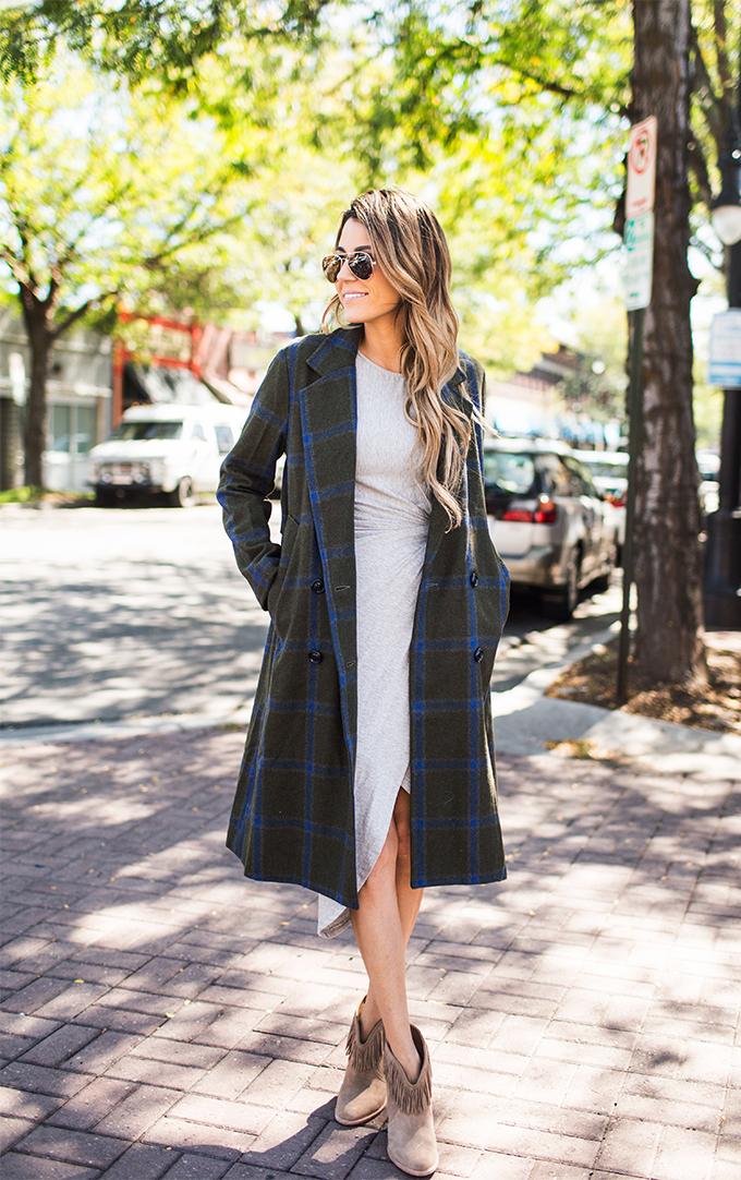 comfrotable grey dress