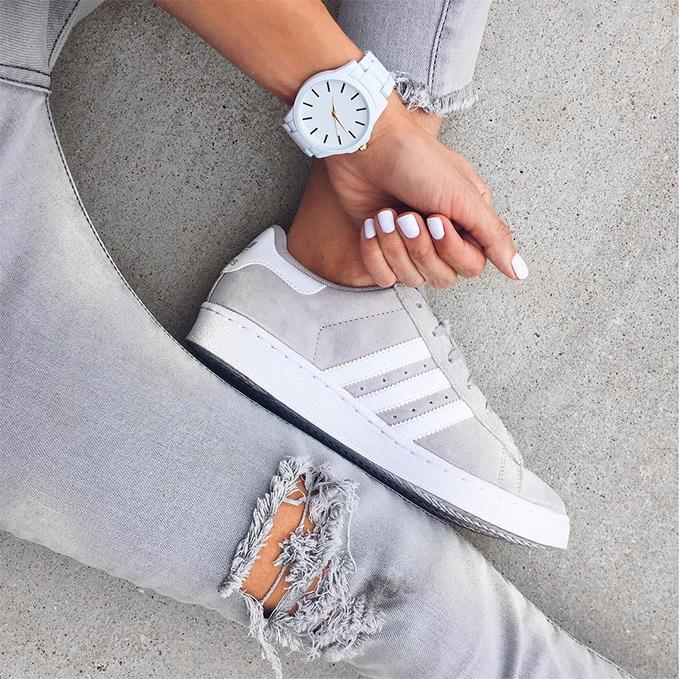 best service f0e74 4a3f5 white-watch-hello-fashion Pin It. DETAILS  GREY DISTRESSED DENIM    GREY  SNEAKERS    WHITE BOYFRIEND WATCH. These grey suede Adidas ...