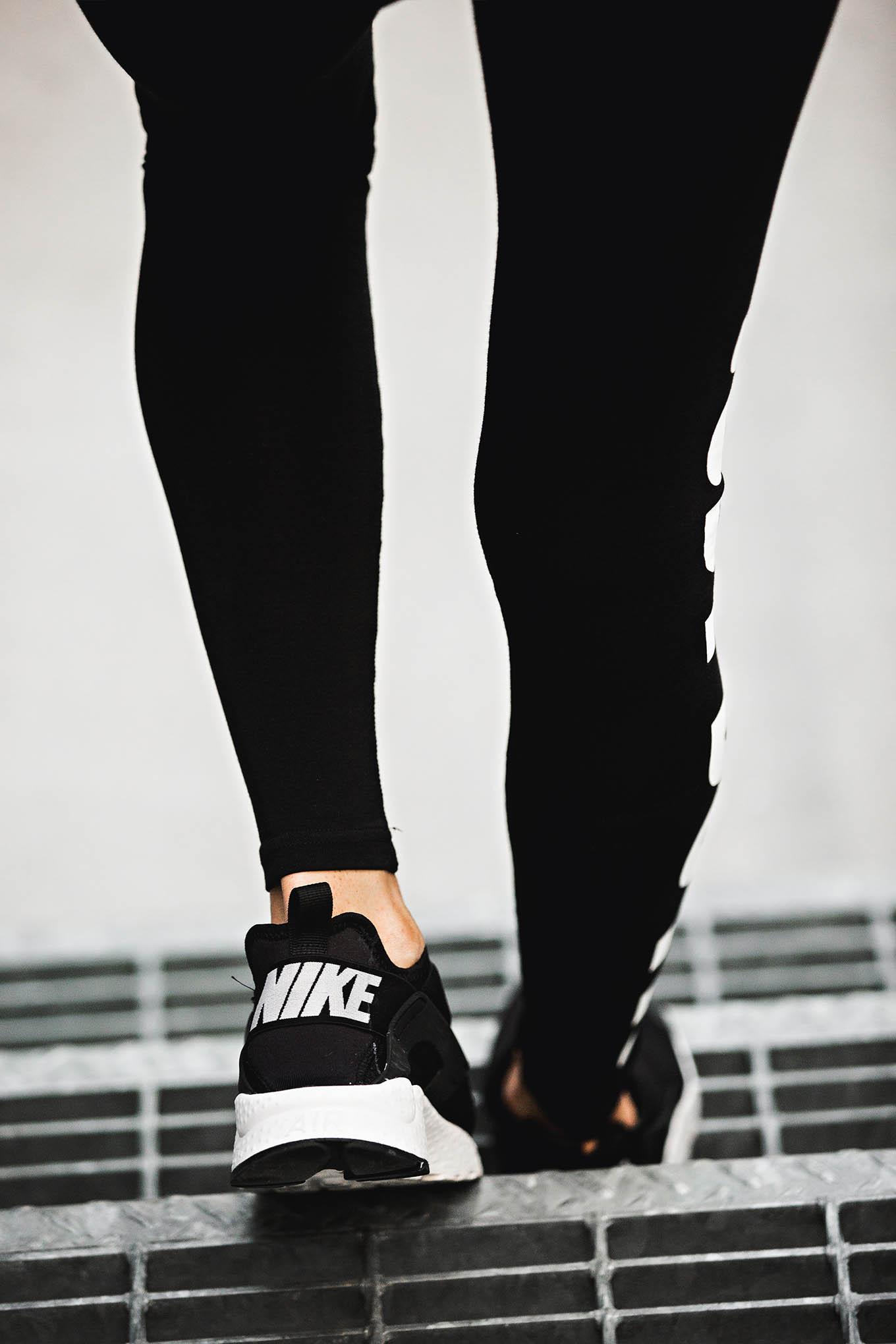 black nike shoes hello fashion blog
