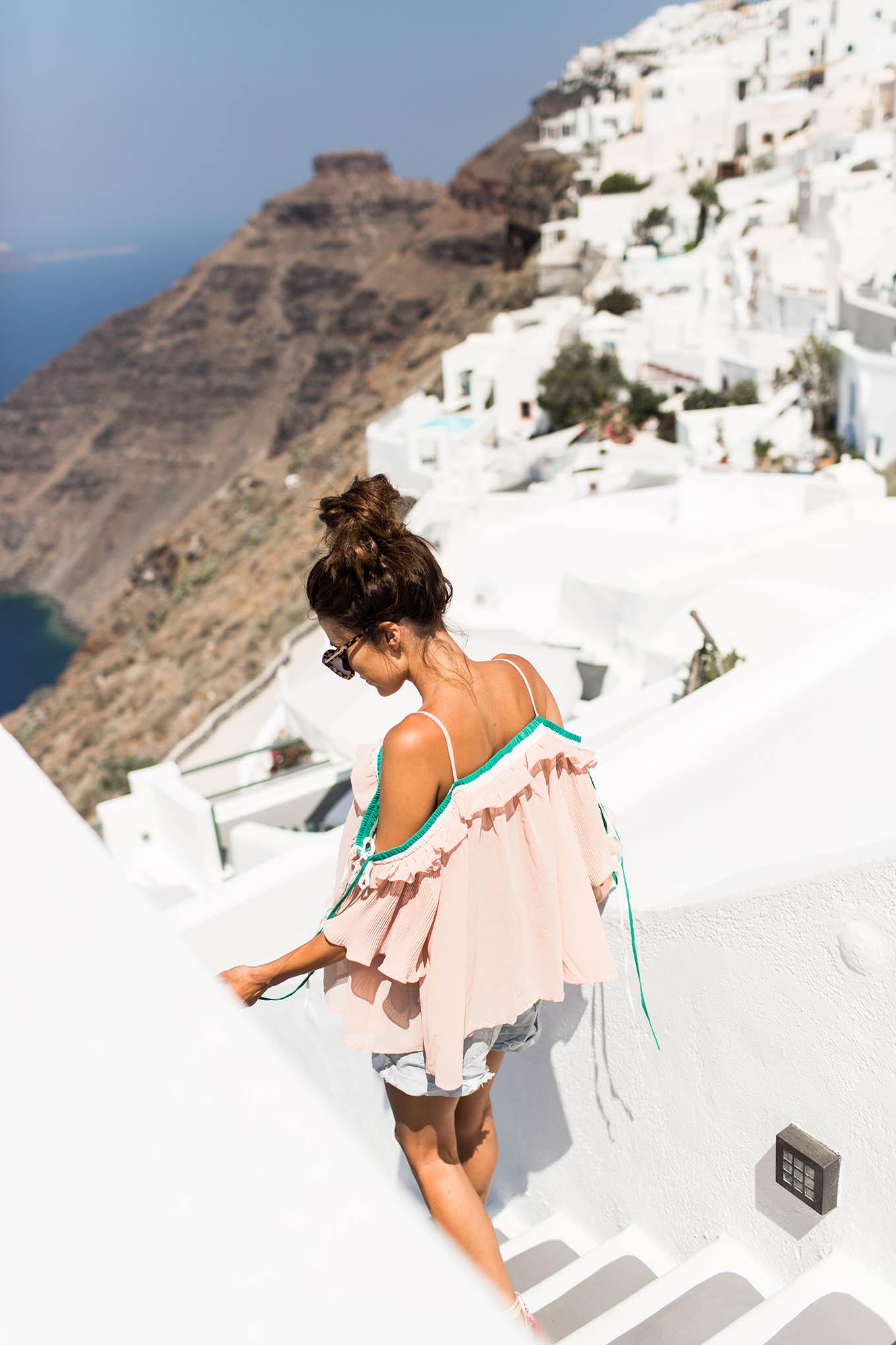 santorini travel style