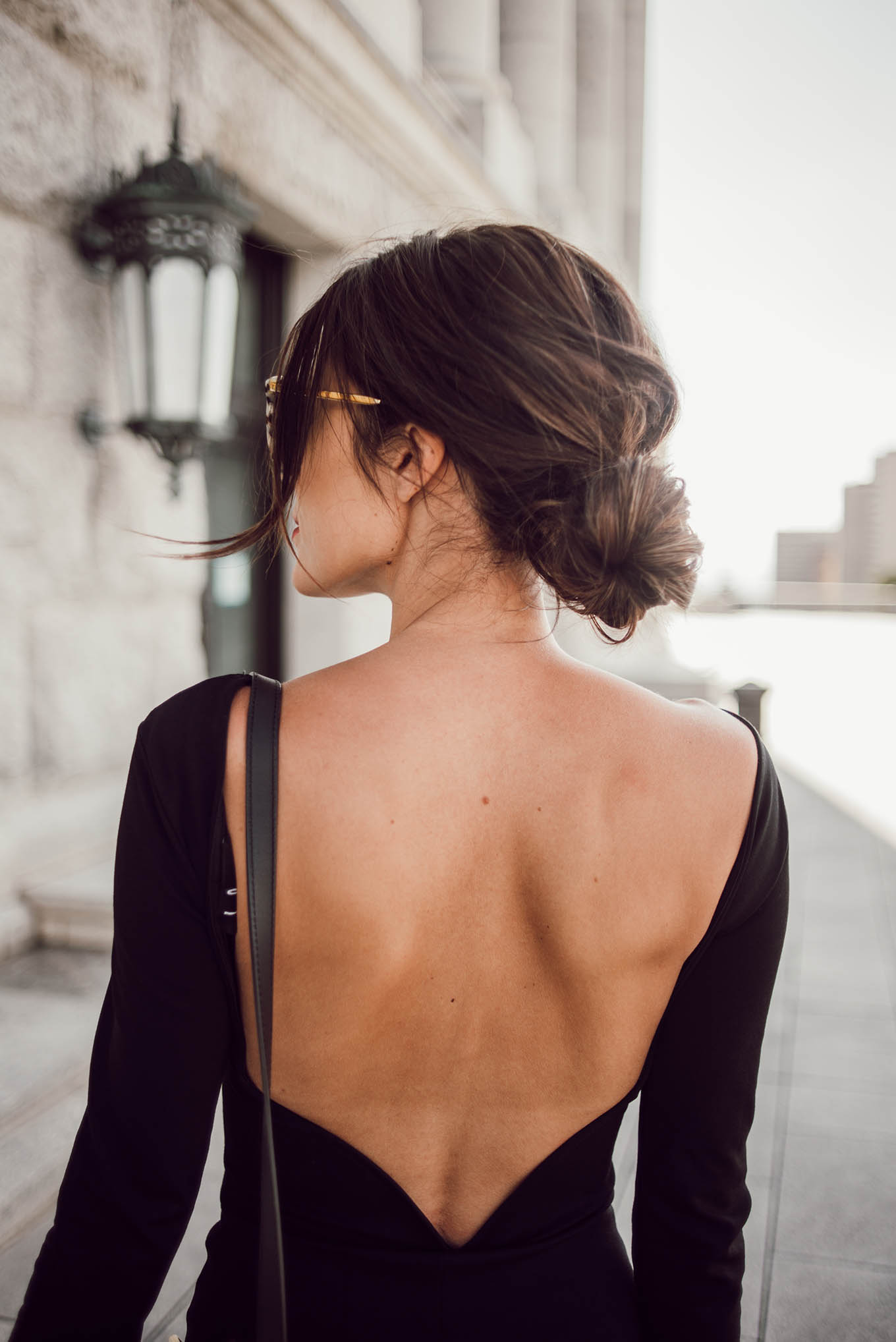 messy low bun hello fashion blog