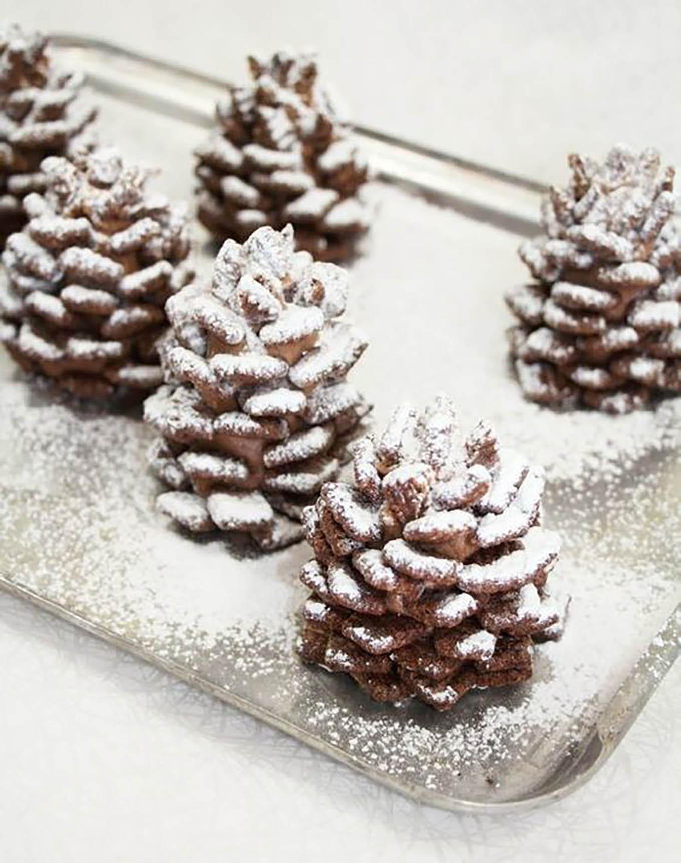 Christmas pinecone dessert