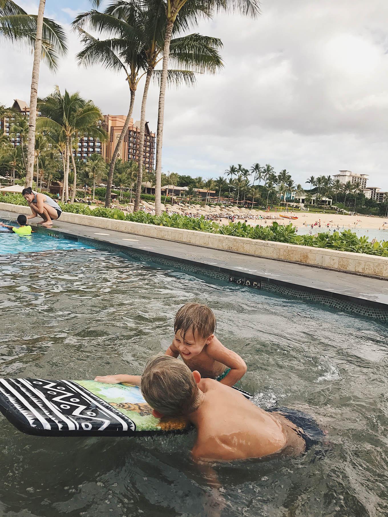 kids play pool in hawaii
