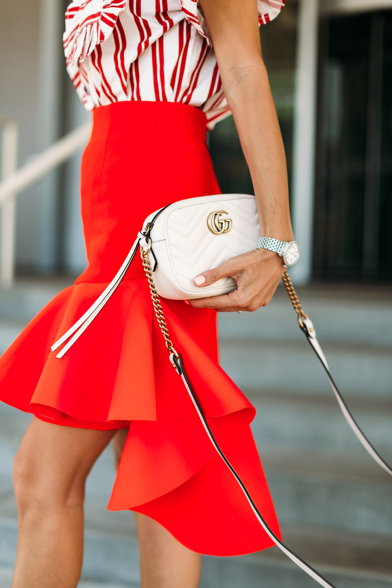 white gucci crossbody