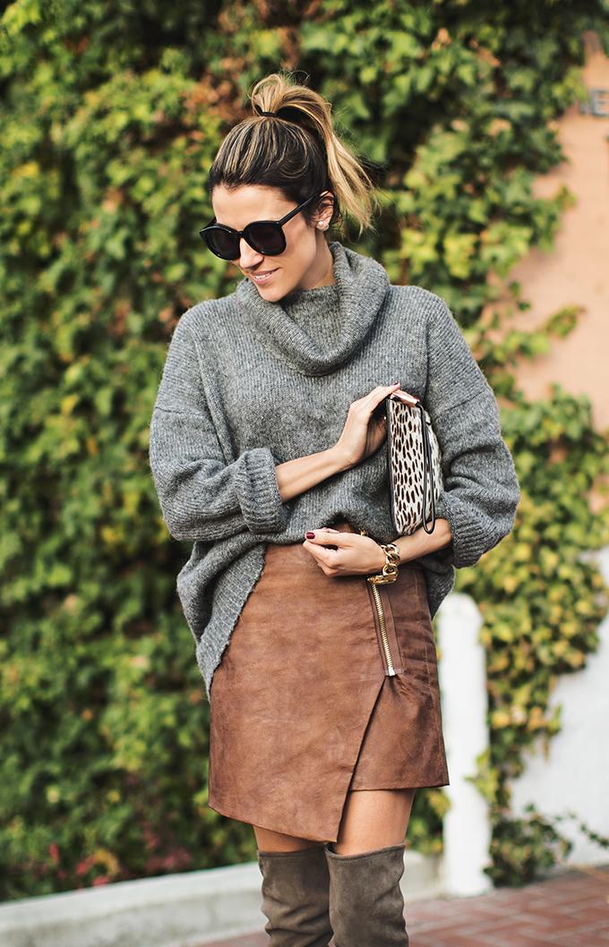 grey_oversized_sweater
