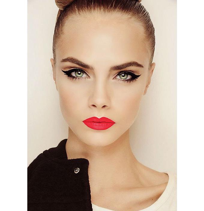 bold eye liner
