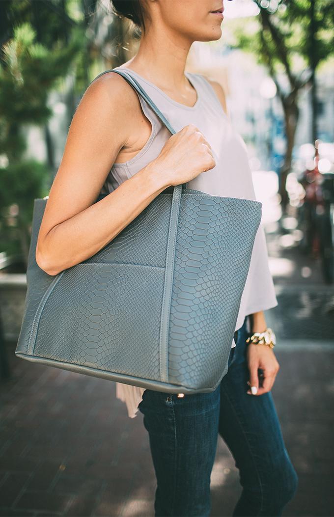 grey tote hello fashion blog