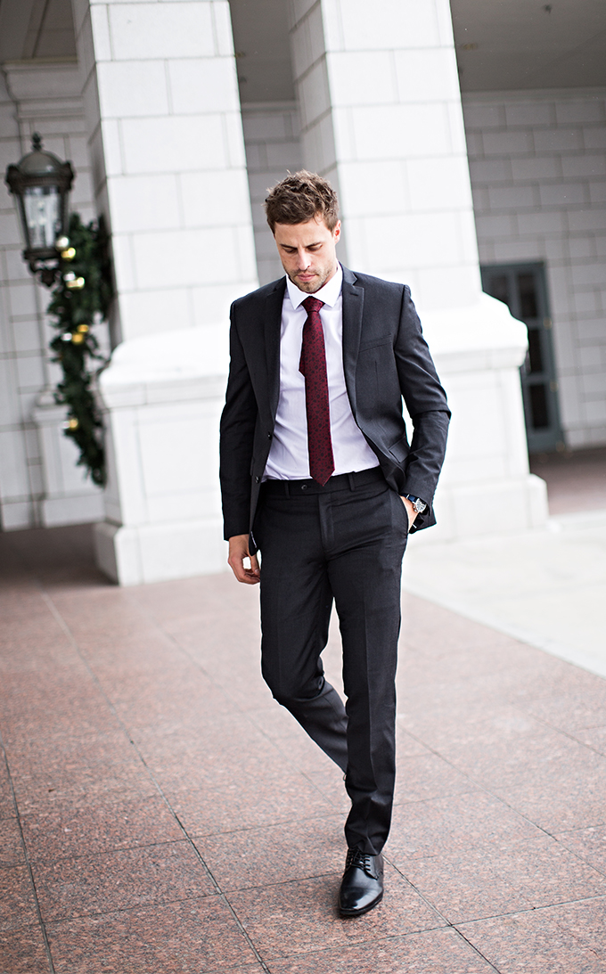 Men's Holiday Suit