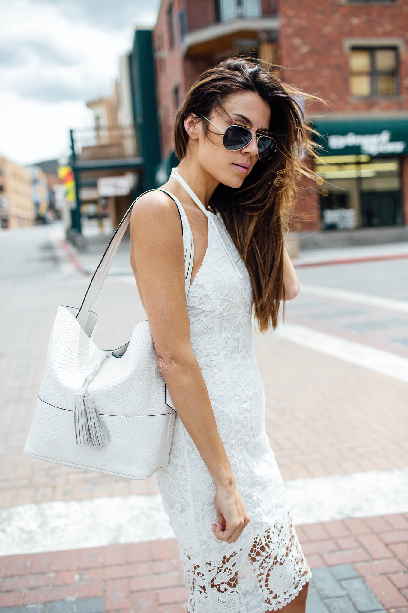 White lace dress and tote hello fashion blog