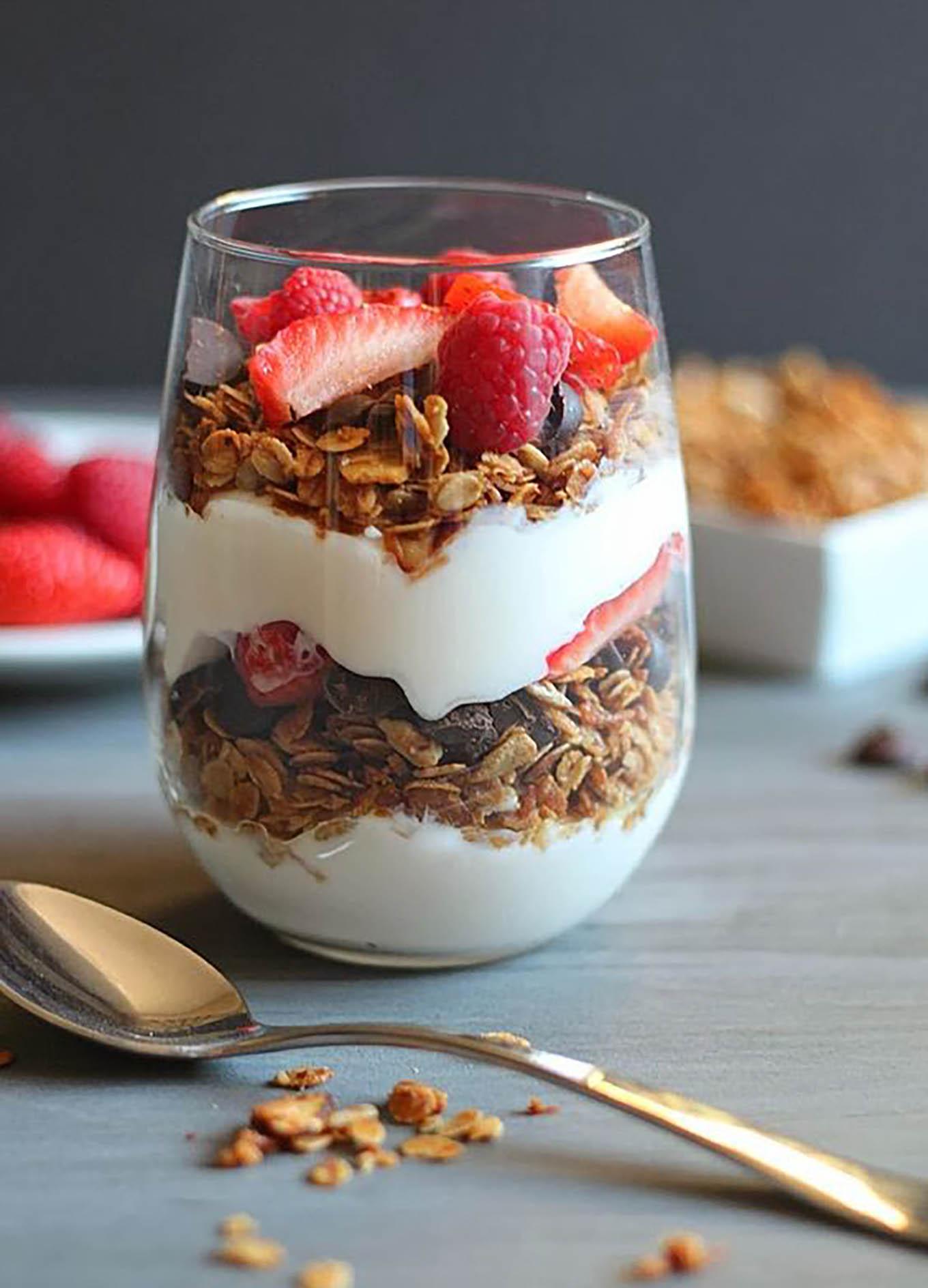 Granola, healthy breakfast