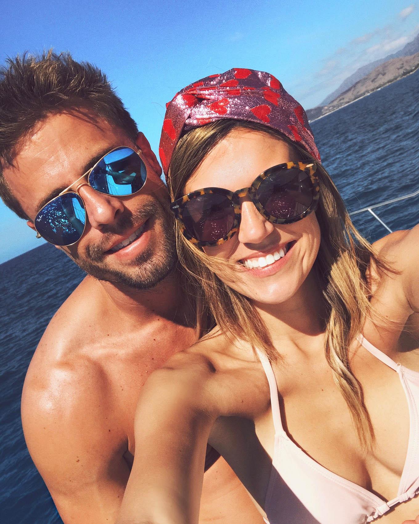 couple travel gucci