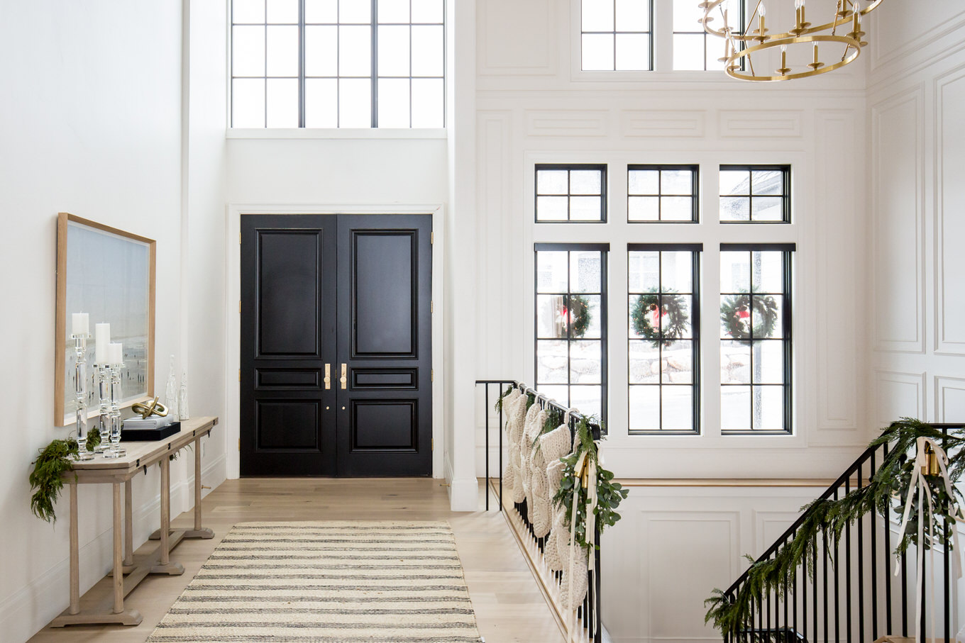 HOLIDAY ENTRY WAY