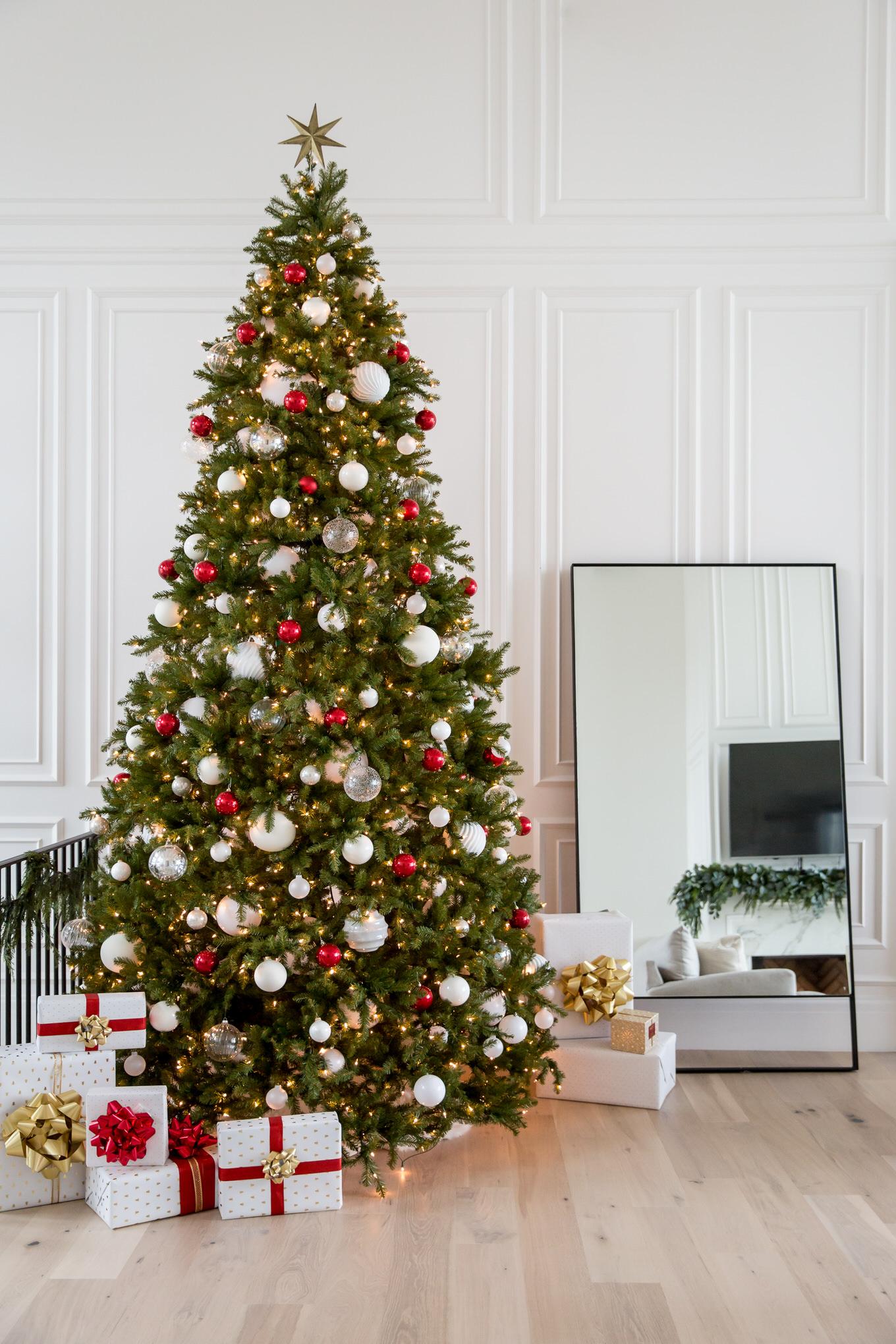 classic evergreen Christmas tree